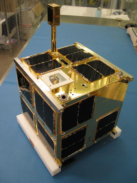 BRITE-Satellit im Labor