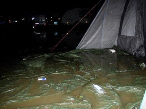 Überschwemmtes Zelt Spielberg