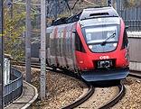 Regionalzug auf offener Strecke