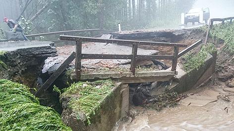 Eine beschädigte Brücke im Bereich Hartberg