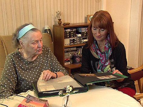 Fotoalbum, Partner im Alter, Für uns, alte Frau