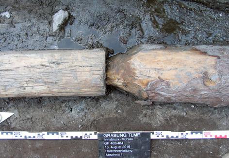 Wasserleitung aus Holzrohren