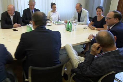 Spitalsärzte: Gipfeltreffen zwischen Kammer und Wehsely im Rathaus