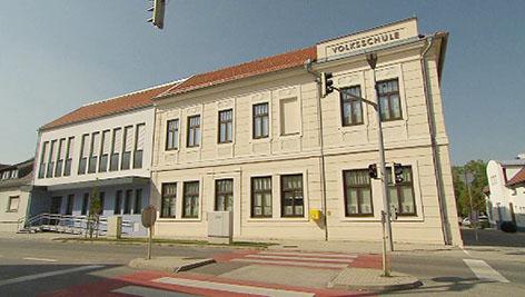 Otvaranje proširene škole u Trajštofu