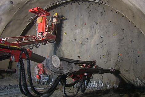 Koralmbahn Spatenstich Tunnel Stein Lind
