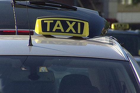 Taxi an Standplatz