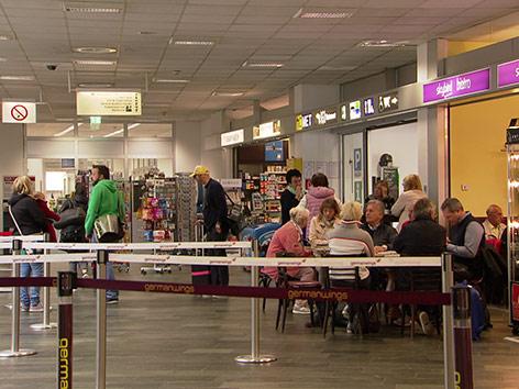 Neue Landebahn Flughafen Klagenfurt Wieder Passagiere