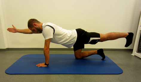 Diagonalstreckung - Rückenübung