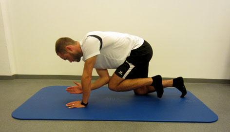 Diagonalstreckung - Rückenfitübung