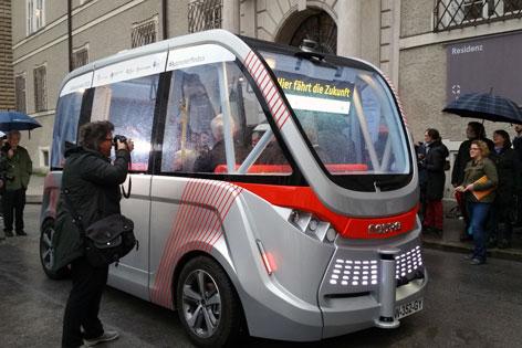 Selbstfahrender Bus auf Testfahrt in Salzburg