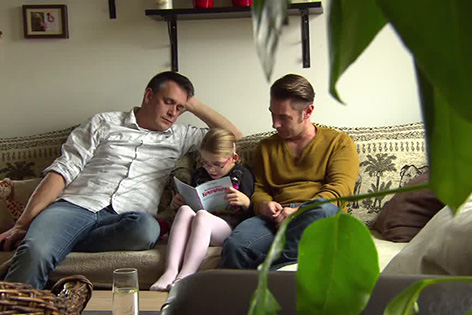 Erste Adoption durch homosexuelles Paar
