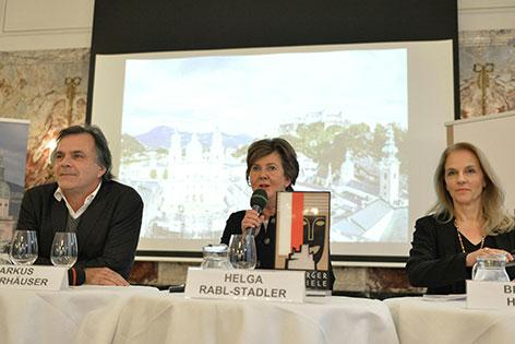Festspielintendant Markus Hinterhäuser, Festspielpräsidentin Helga Rabl-Stadler und Schauspieldirektorin Bettina Hering (v.l.n.r.) bei der Pressekonferenz