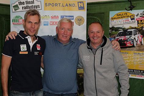 Organisator Helmut Schöpf mit den beiden heimischen Top-Fahrern Christian Schuberth-Mrlik und Raimund Baumschlager