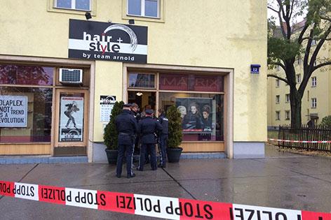Frisör in Geschäft angeschossen