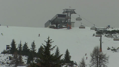 Skisaison hat begonnen Flachau Saalbach Hinterglemm