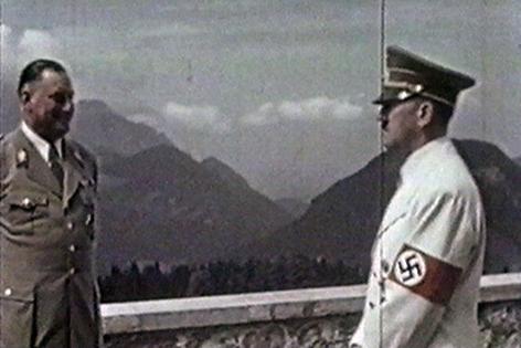 Archivaufnahme von Adolf Hitler mit Hermann Göring im Berghof auf dem Obersalzberg bei Berchtesgaden
