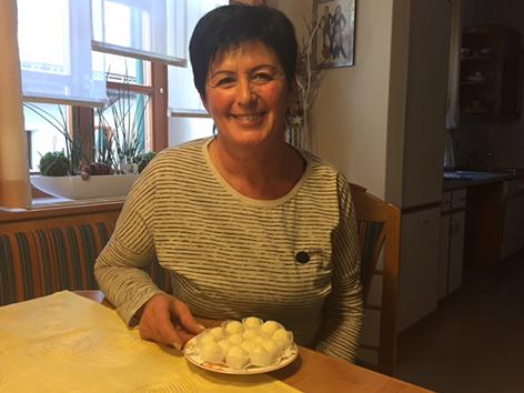 Bäckerin Martha Graber aus Eggersdorf mit Jamaika-Trüffel