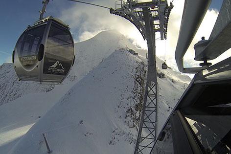 Blick aus der Seilbahngondel bei der Fahrt auf das Kitzsteinhorn