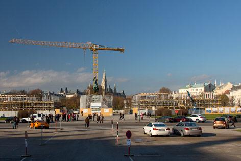 Die Errichtung des Ausweichquartieres für das Parlament