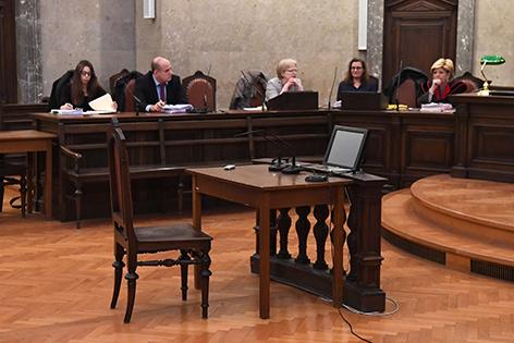 Leerer Stuhl Gericht Seisenbacher