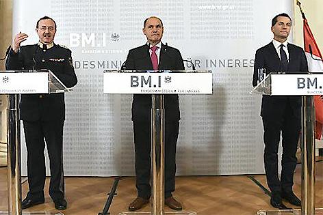 Pressekonferenz mit Franz Prucher, Wolfgang Sobotka und Gerald Tazgern