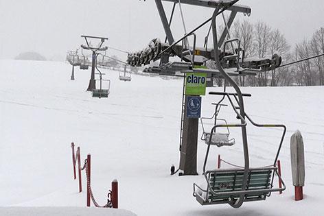 Talstation des Sessellifts in Gaißau im Skigebiet Gaißau Hintersee bei Schneefall