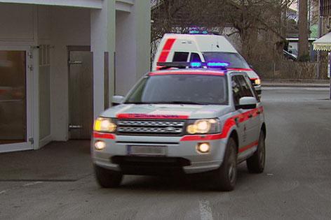 Notarztfahrzeuge bei Stützpunkt in Mittersill