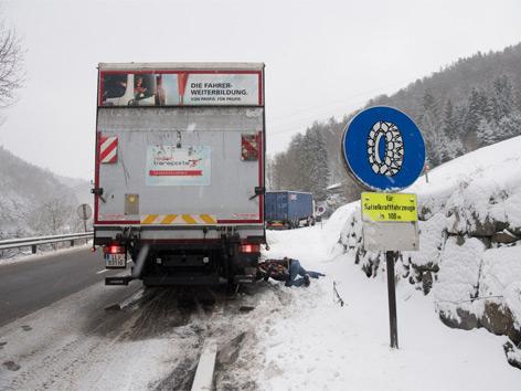 Unfälle Und Sperren Durch Sturmtief Axel Ooeorfat