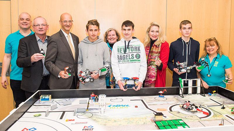 Teilnehmer vom Roboter- und Forschungswettbewerb