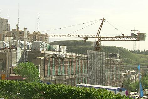 Iran Baukran Rohbauten
