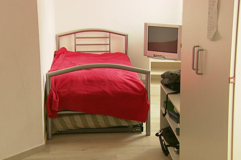 Bett in einem der Frauenhäuser