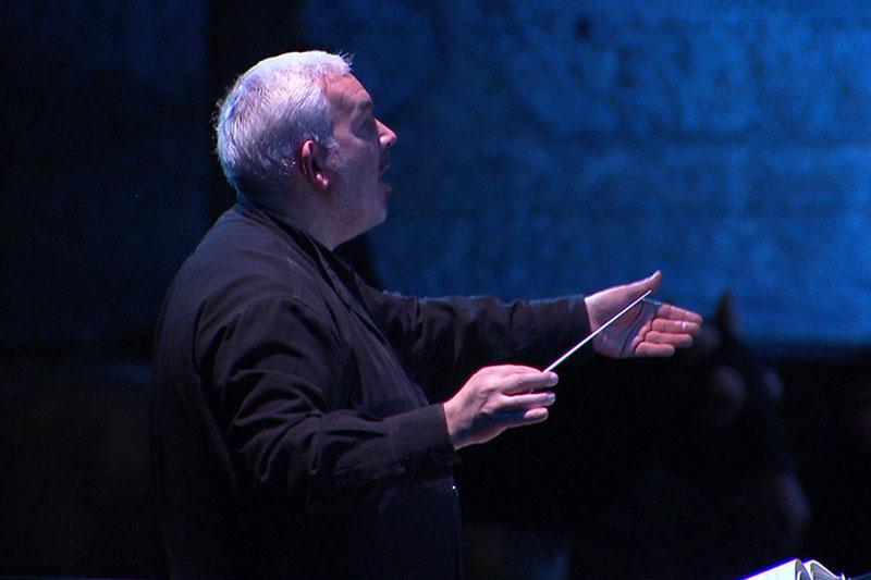 Dirigent Marc Minkowski beim Dirigieren