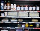Suti kocht Saftgulasch am Bauernhof, Fastfood-Automat