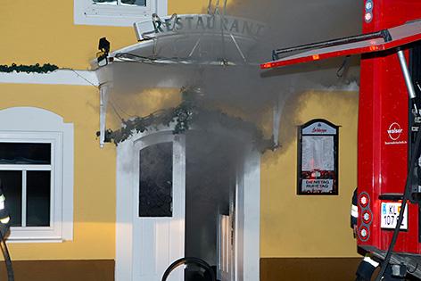 Böschungsbrand nach Raketenabschuss Brände