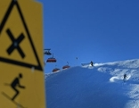 Skifahren Piste Kreuzung Schild