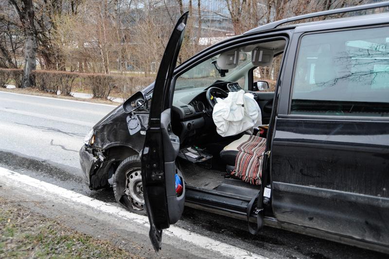 Beschädigtes Auto nach Unfall