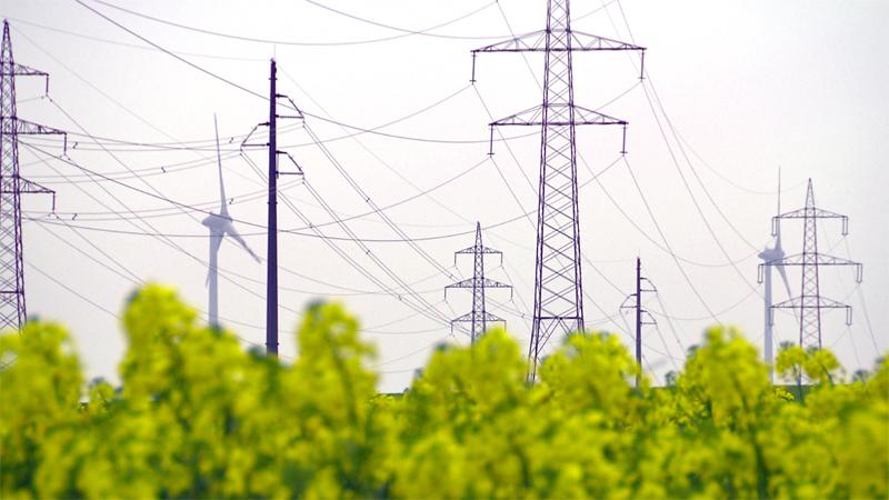 Energie Strommast Stromleitung Windkraft