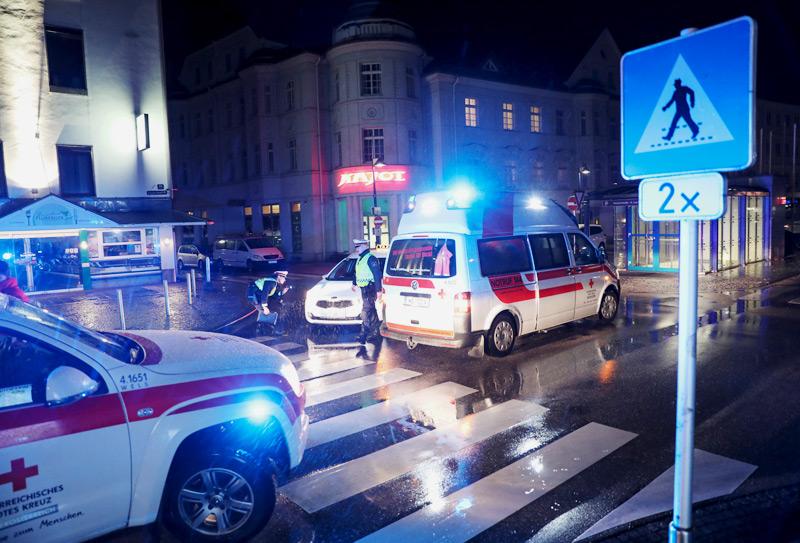 Fußgänger in Wels von Taxi erfasst und verletzt