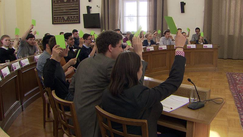 Jugendliche im Salzburger Jugendlandtag