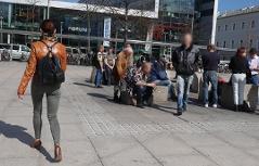 Bahnhofsvorplatz Hauptbahnhof Salzburg soziale Probleme Frauen Gewalt