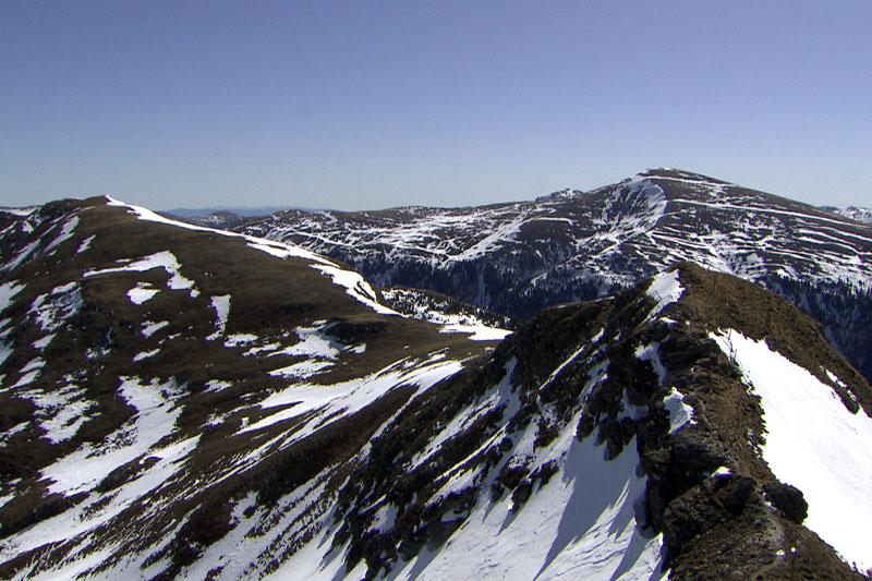 Aussicht vom Königsstuhl über die Nockberge im Vorfrühling