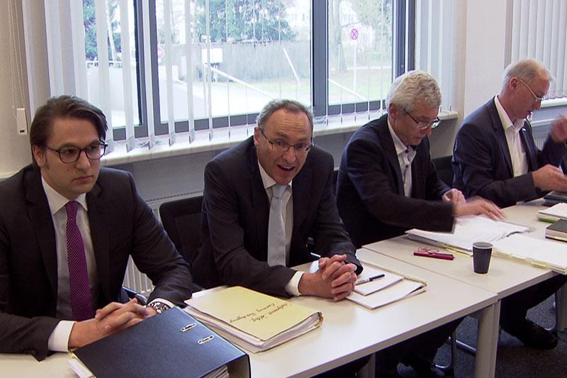 Vertreter der Stadt Salzburg beim Verfahren im Landesverwaltungsgericht
