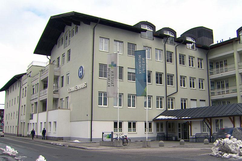 Das Spital (Tauernklinikum) Mittersill von außen