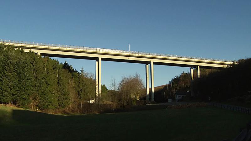 S31 Brücken, Straße