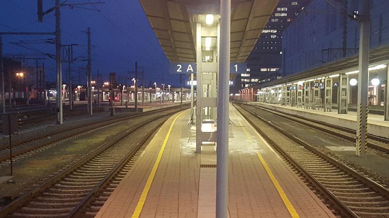 Leerer Linzer Hauptbahnhof