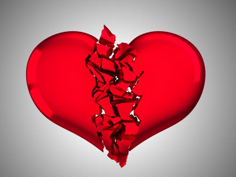 Rotes Herz bricht auseinander