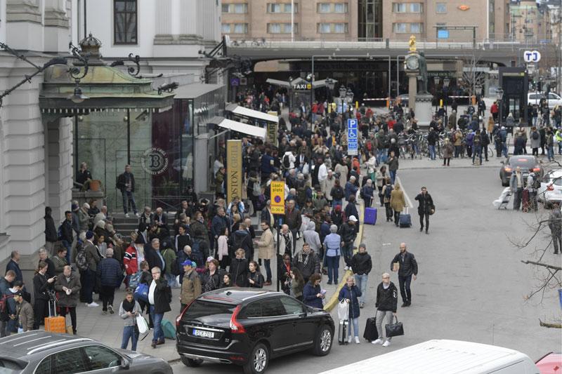 Stockholm Terror Anschlag U-Bahn Station Menschen