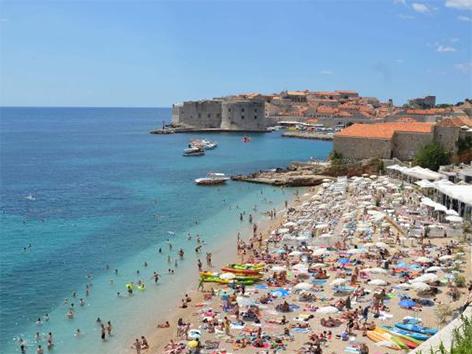 Hrvaška 2016 rekordni promet turizem Dubrovnik plaža