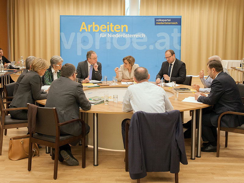 Klausur ÖVP-NÖ-Regierungsteam in Mauerbach