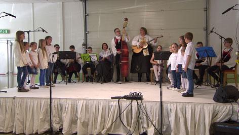 Premijera tancošev Pelikanov u Novom Selu